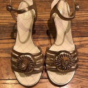 NWT Chanel Camellia Sandals